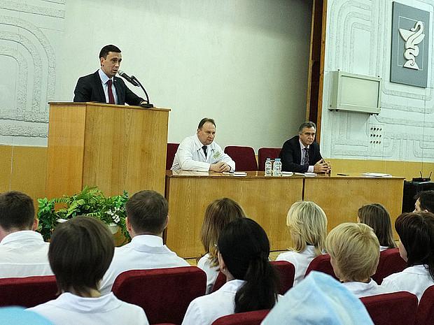 Попова 62 киров в какую поликлинику обращаться